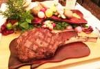 ハワイの高級ステーキ店「ハイズ・ステーキハウス」でプレミアム和牛ステーキ!