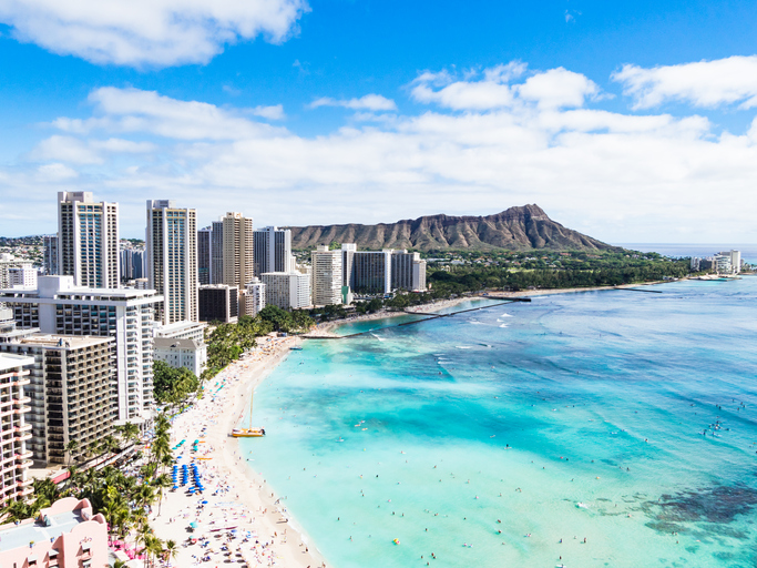 Waikiki Beach and Diamond Head Crater in Honolulu, Oahu island, Hawaii, USA