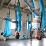 ハワイでハンモックを使った「エアリアルヨガ(Aireal yoga)」体験! 効果抜群で美BODYゲット!!