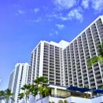 ハワイの有名ホテル「シェラトン・ワイキキ」の過ごし方|アクセスや予約方法など