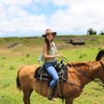 ハワイ島の大草原を満喫!ダハナランチ乗馬ツアーに密着!
